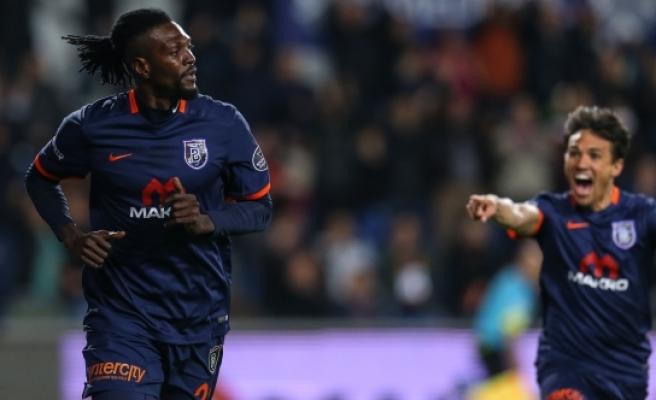 Medipol Başakşehir, Galatasaray'ı 4 golle geçti