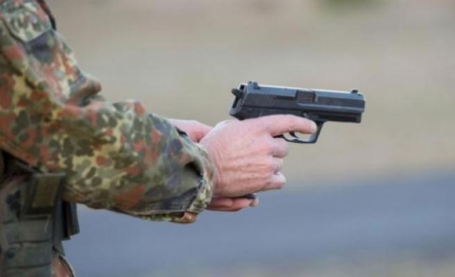 Saldırı hazırlığındaki aşırı sağcı subay gözaltına alındı