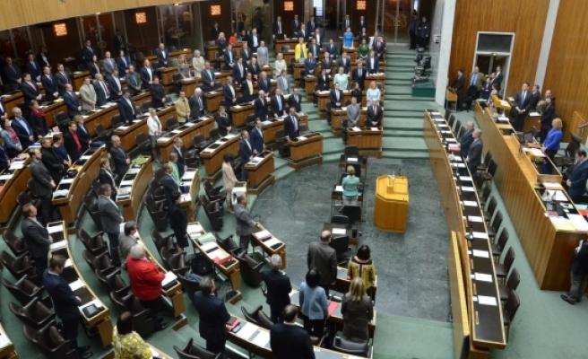 Avusturya  3 parti 'asgari ücret' tasarısını yasalaştırmak istiyor