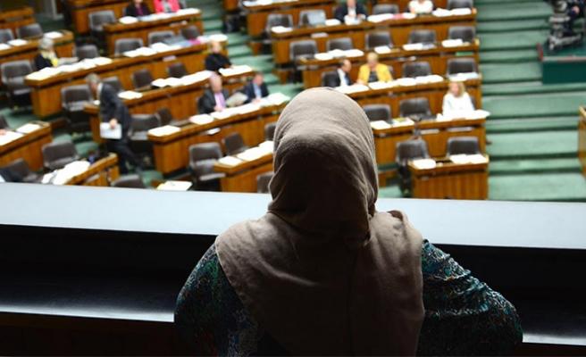 Avusturya meclisinin onayladığı yeni uyum yasasına tepkiler