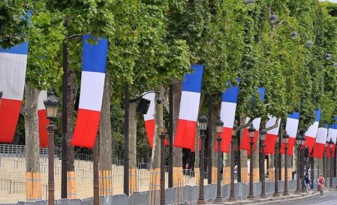 Fransa'da bir belediye 'evde ölmeyi' yasakladı
