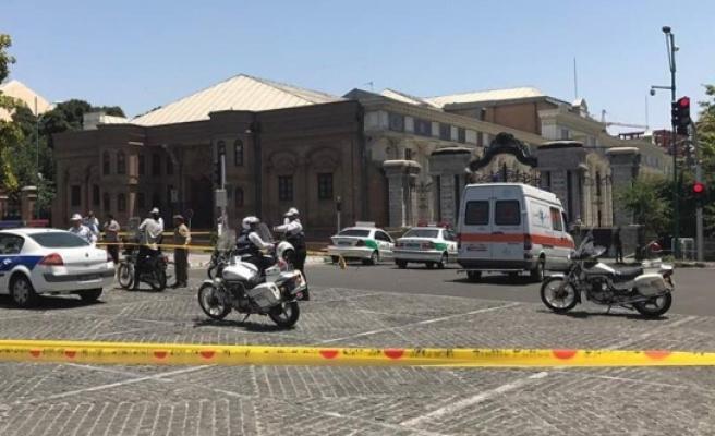 İran Meclisi ve Humeyni Türbesi'nde saldırı: ölü sayısı 12'ye yükseldi