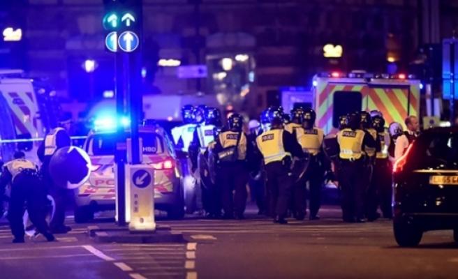 Londra iki farklı terör saldırısı ile sarsıldı