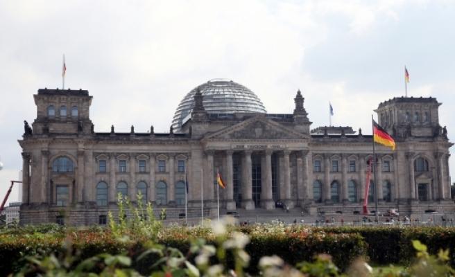 Almanya'da 14 Türkiye kökenli aday milletvekili seçildi