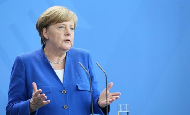 Merkel: 'İslam, Almanya'nın bir parçasıdır'
