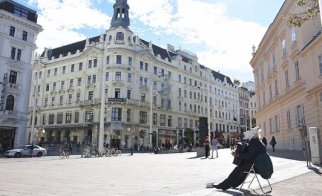 Avusturya'da 'Burka Yasağı' sokak müzisyenlerini de etkiledi