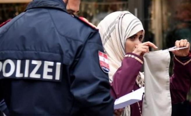 Avusturya'da burka yasağının ilk kurbanı turist kadın oldu
