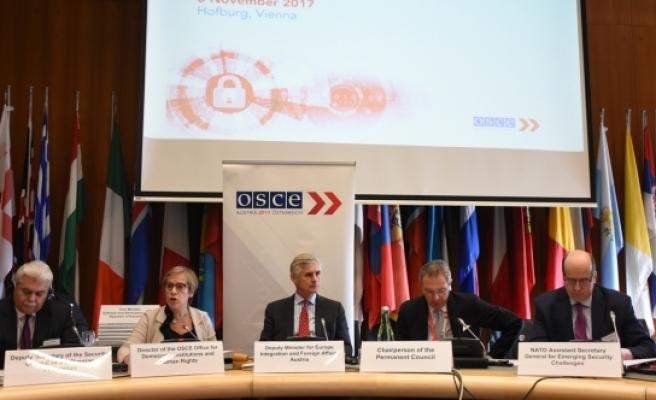 """Avusturya'da """"Siber Güvenlik"""" konferansı"""