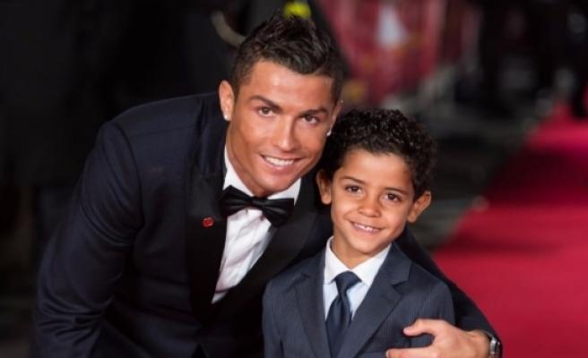 Ronaldo'nun oğlundan babasını yıkan paylaşım!