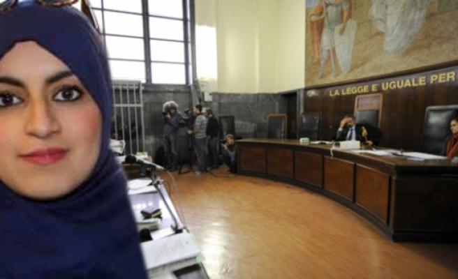 Başörtüsüyle davaya alınmayan avukata destek yağdı, yargıç çark etti!