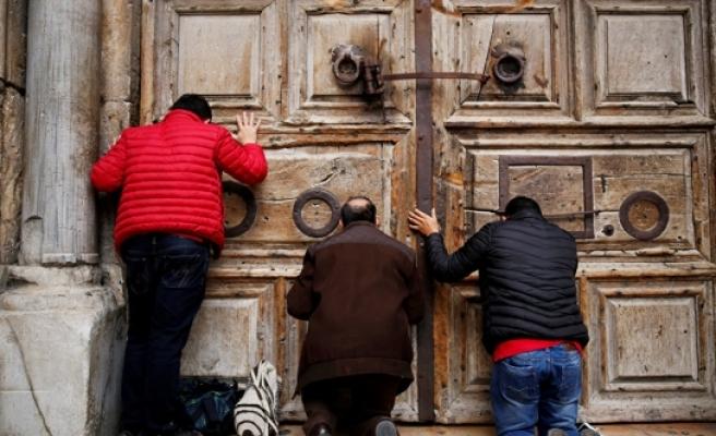 Hristiyanlığın en kutsal mabedi kapatıldı