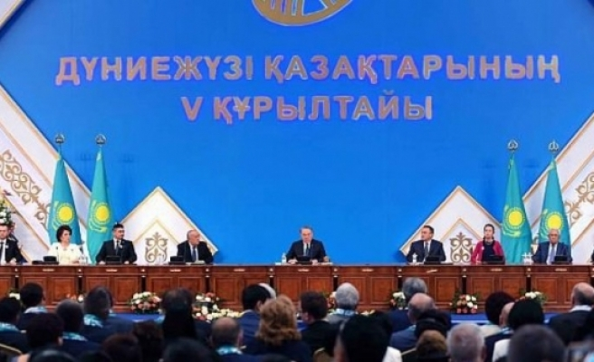 Kazakistan alfabesini değiştiriyor!