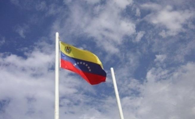 Venezüella'da 2 dolar için bir genci öldürüp yediler!