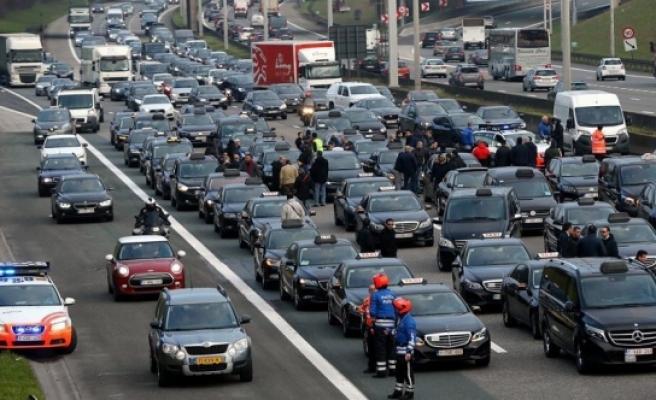 Belçika'da 'Uber' protestosu
