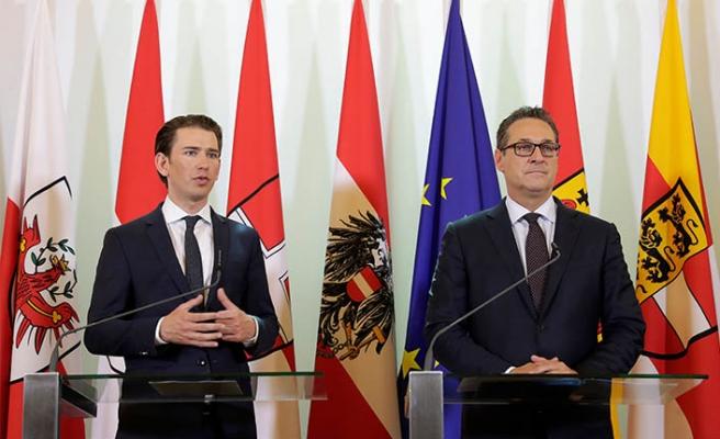 Avusturya'da 7 cami için kapatma kararı