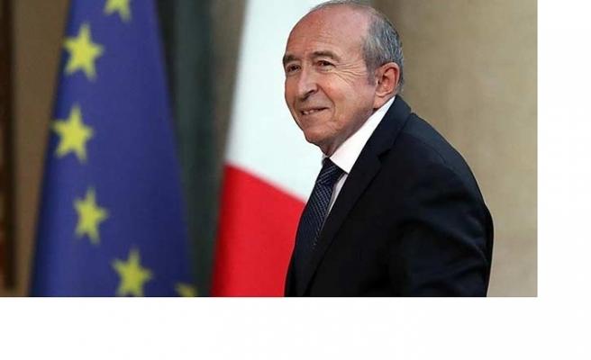 Fransa İçişleri Bakanı istifa etti