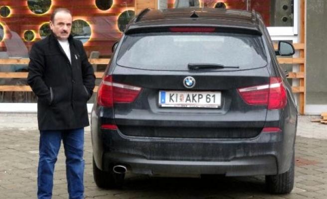 """Avusturya'da yaşayan gurbetçi """"plakası""""nı geri aldı"""