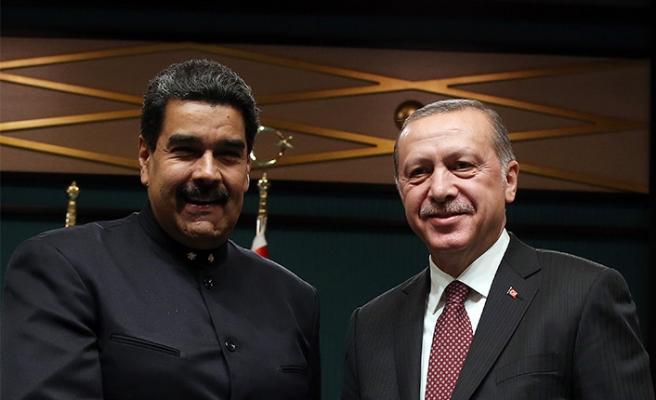 """Erdoğan'dan Maduro'ya destek telefonu: 'Bugün tarihi bir gün"""""""
