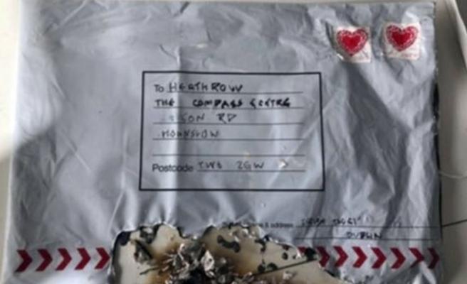 Londra'yı karıştıran 'İrlanda'yı seviyorum' paketleri