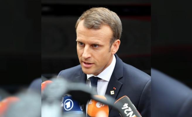 Macron: AB, İngiltere'deki siyasi krizin rehini olamaz