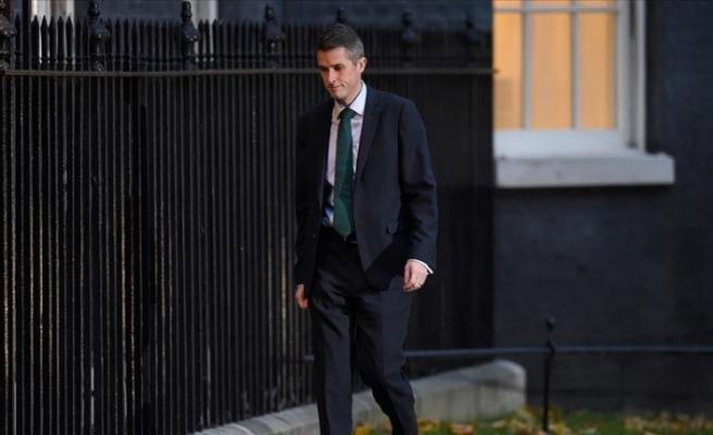 İngiltere Savunma Bakanı görevinden alındı