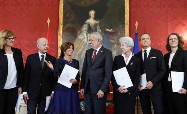 Avusturya'da geçici hükümet görevde