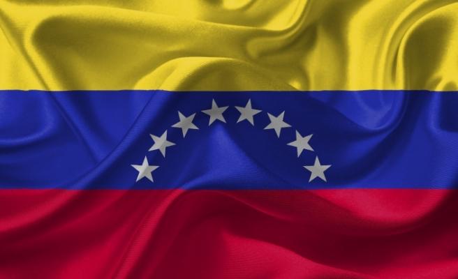 Venezuella parasına enflasyon ayarı: Sıfırlar geri döndü