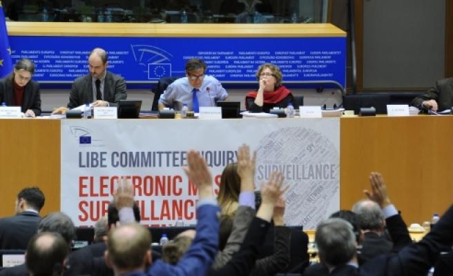 "''Avrupa Parlamentosu'nda ""dinleme"" raporu''"