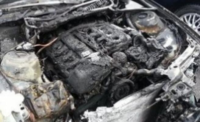 Berlin'de Türk diplomatların araçları kundaklandı.