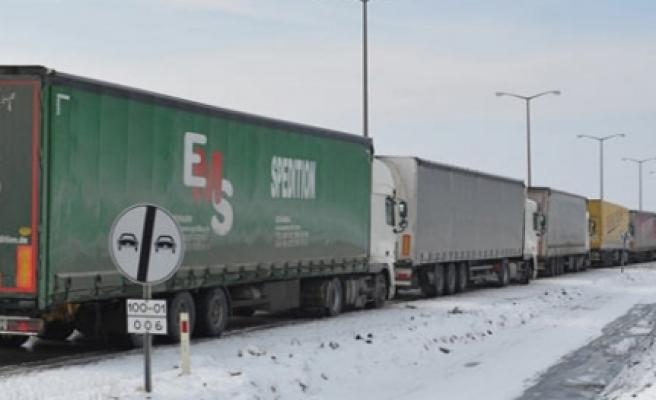 ''Bulgaristan Türk tırları için sınırını kapattı''