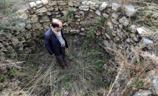 """''Bursa'da 2 bin 300 yıllık """"infaz odaları"""" gün yüzüne çıktı''"""