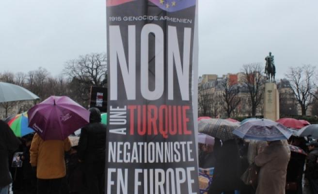 ''Ermenilerden, Hollande'ın Türkiye ziyareti öncesi protesto''