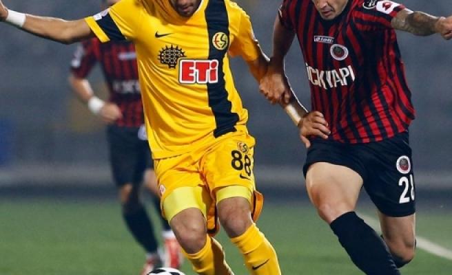 ''Eskişehirspor'un Yıldızı Galatasaray'da''
