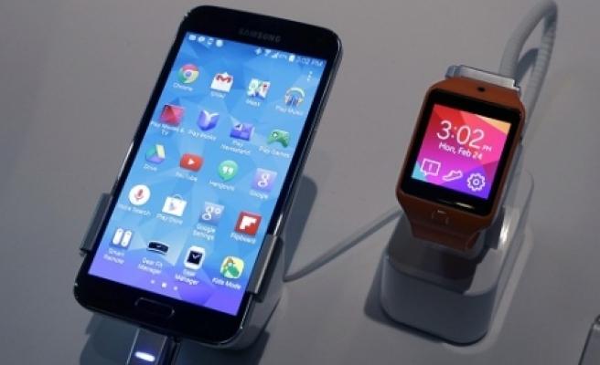 ''Galaxy S5 bekleyenlere kötü haber''