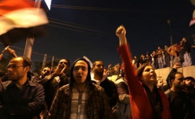 ''Gösterilerde 1 kişi öldü!''