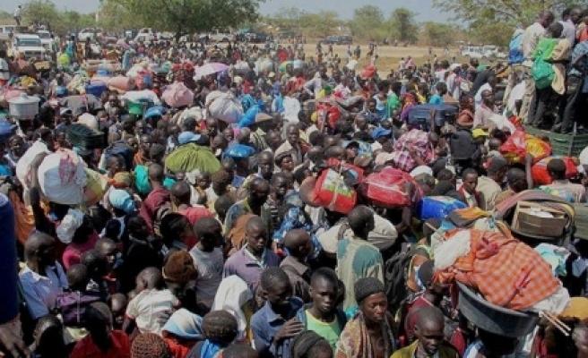 ''Güney Sudan'da 180 bin kişi evinden oldu''