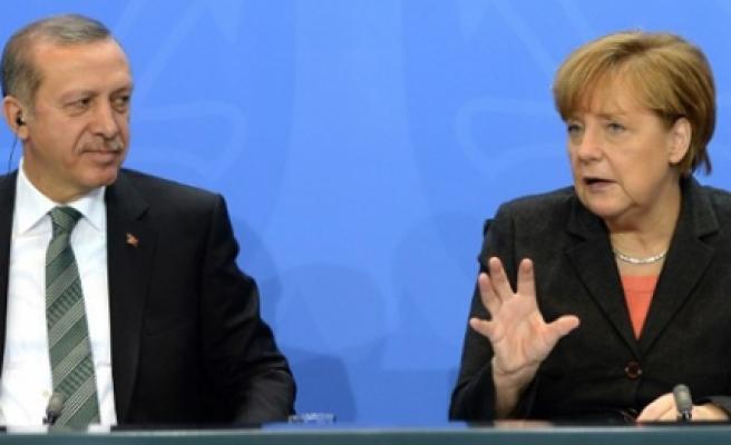''Gurbetçilere Almanya'da oy kullanma müjdesi''