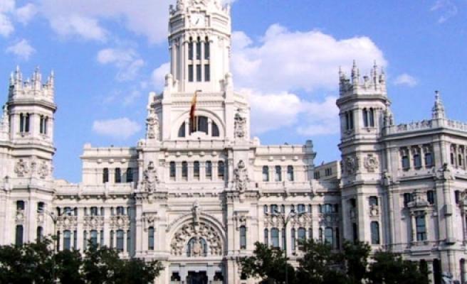İspanya'da Hükümet Resmen Taşı Sıkıp, Suyunu Çıkardı''
