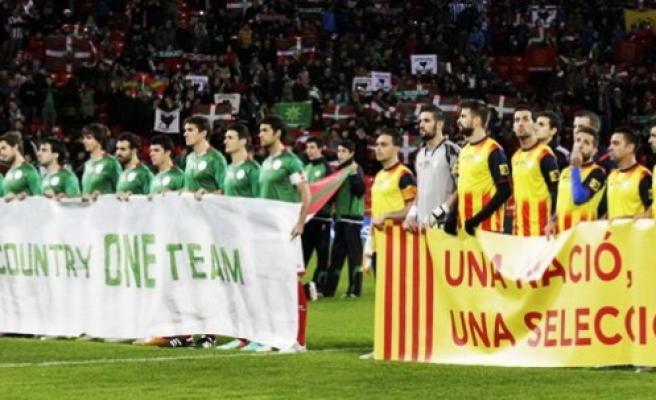 İspanya'da tarihi maç ve o mesaj!