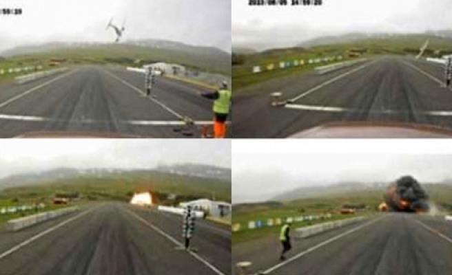 ''İzlanda'da ambulans uçak piste böyle çakıldı!''