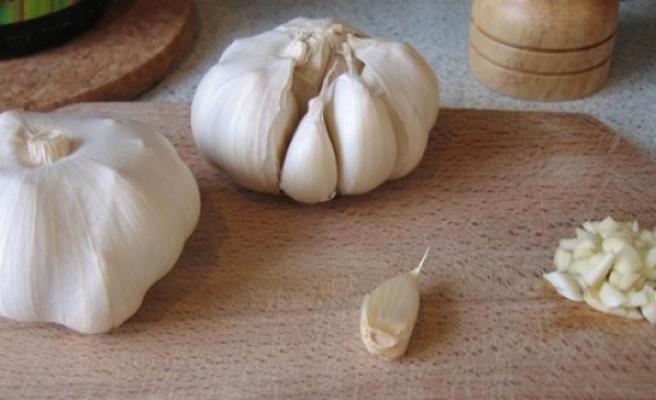 Kalp sağlığı için soğan, sarımsak yiyin