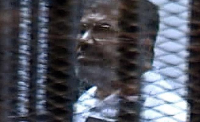 ''Mursi'nin duruşmasının basına yansımayan ayrıntıları''