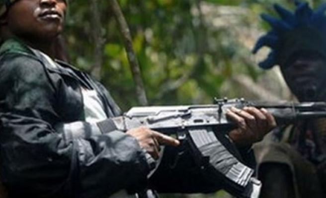 Okula silahlı baskın: 20 Ölü