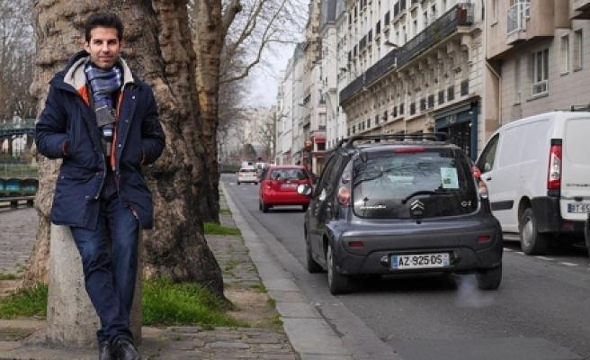 Paris'te Aday Olan Türk'e, Sarkozy'nin Avukatından Tehdit''