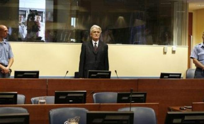 ''Srebrenitsalı anneler, Karaciç'in duruşmasını canlı izledi''