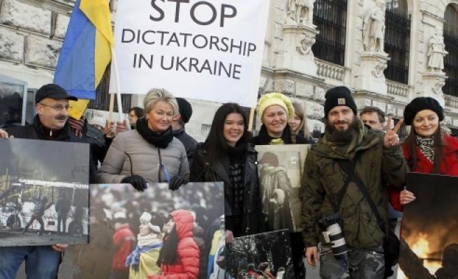 ''Viyana: AGİTPA Toplantısında Protesto''