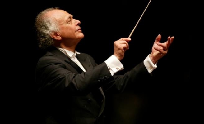 ''Viyana'da Klasik müziği ayakta dinlemek 5 Euro''