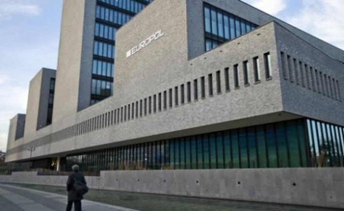Avrupa Polis Teşkilatı'ndan Avrupa medyasına DEAŞ operasyonu