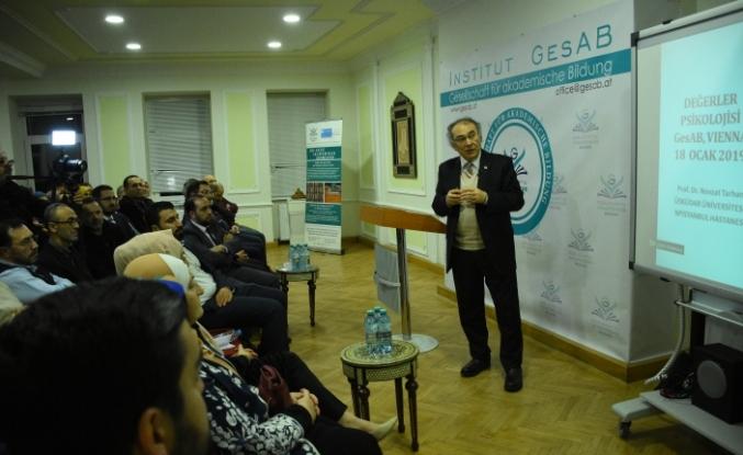 Prof. Dr. Tarhan: 'Aileyi koruyamazsak gelecek nesilleri kaybederiz'