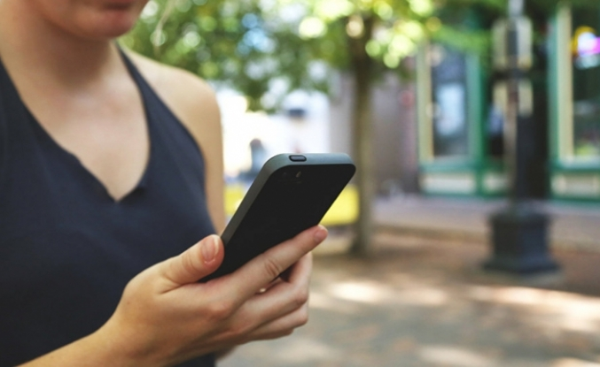 Google, 20 dolarlık telefon üretecek